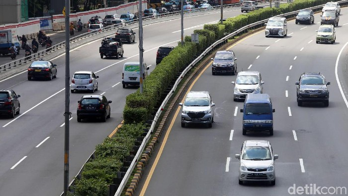 Tol Dalam Kota ruas Cawang-Tomang-Pluit dan Cawang-Tanjung Priok-Ancol Timur-Jembatan Tiga alami penyesuaian tarif. Penyesuaian tarif itu berlaku bulan depan.