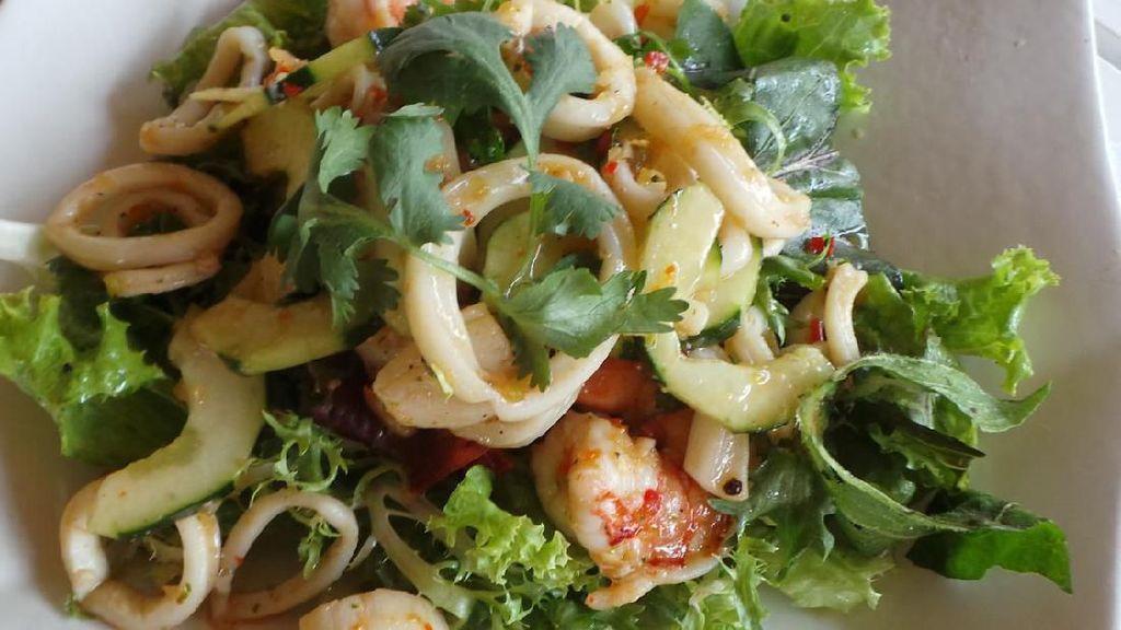 Resep Pembaca : Salad Seafood Asam Segar