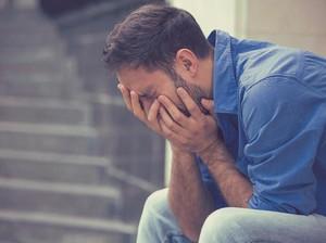 Kisah Pria yang Menangis Saat Menyaksikan Mantan Pacarnya Menikah