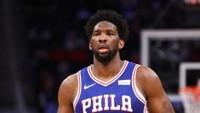 Kenakan Nomor 24 demi Kobe Bryant, Embiid Bawa Sixers Kalahkan Warriors