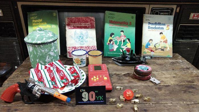 Jual Kenangan, Pria Ini Bisnis Mainan dan Jajajan Anak 90-an