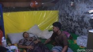 Begini Cara 4 Bersaudara di Surabaya Rawat Ibunya yang Kanker Payudara