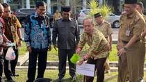 Tanam Pohon, Pimpinan MPR Ingin Kalimantan Jadi Paru-paru Dunia