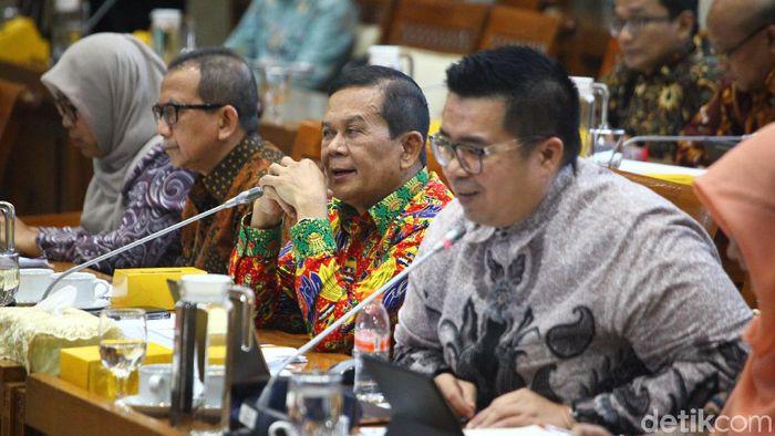 Komisi XI DPR RI memanggil manajemen PT Asabri (Persero) siang ini untuk meminta penjelasan kondisi perusahaan dalam rapat dengar pendapat (RDP).
