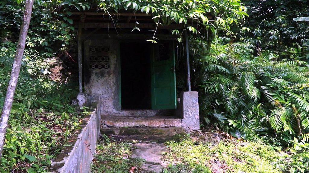 Menjelajahi Goa Kutamaneuh, Tempat Sembunyi Johny Indo di Sukabumi