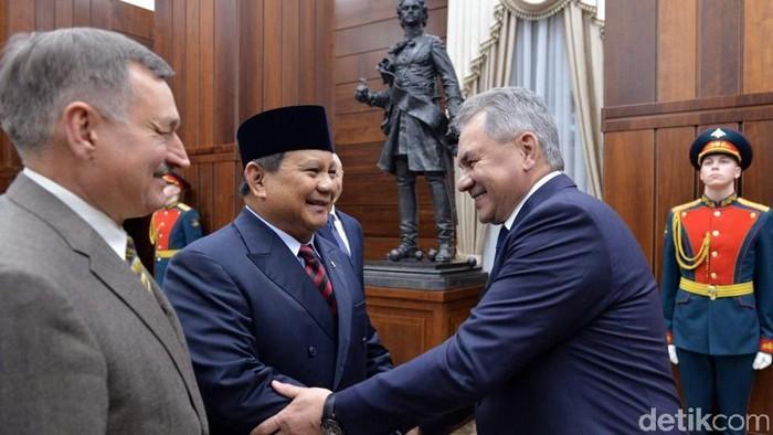 Menhan Prabowo Subianto Bertemu Menhan Rusia