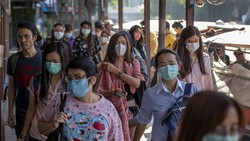 Bahaya Percaya Hoax Pakai Masker Terbalik, Ini Penjelasan Dokter