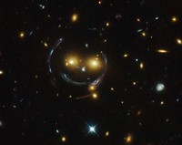 galaksi aneh