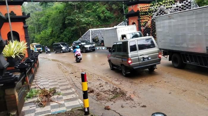 banjir lumpur di batu