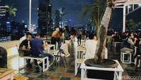 Langit Seduh : Sensasi Bersantap Romantis di Kafe Beratap Langit