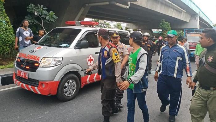 percobaan bunuh diri di Surabaya