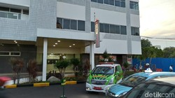 Rumah Sakit Pusat Angkatan Darat (RSPAD) Gatot Soebroto diisukan merawat suspek pasien virus corona. Namun saat dikunjungi tak tampak tanda-tanda kesibukan.