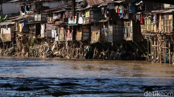 Gubenur DKI Jakarta Anies Baswedan mengklaim angka kemiskinan mencapai angka terkceil selama empat tahun terakhir.