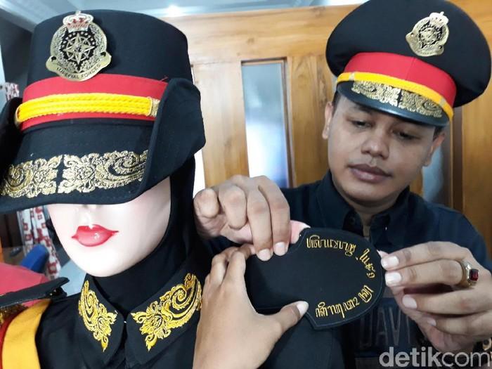 Pemuatan seragam Keraton Agung Sejagat di Bantul, Rabu (29/1/2020).