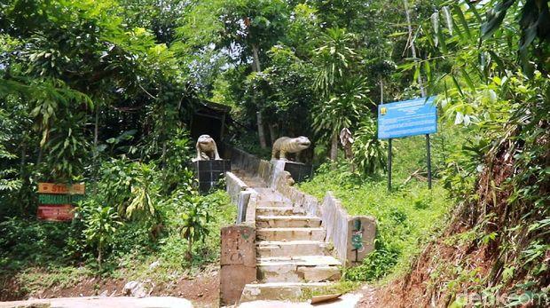 Goa Kutamaneh, Tempat Persembunyian Johny Indo di Sukabumi