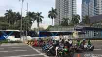 Video: Bus TransJ  Mengular di Sarinah Hingga Halte BI