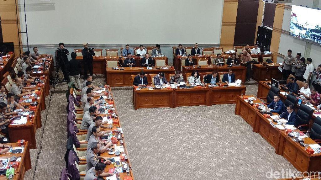Kabar Penyekapan Penyelidik KPK Mengemuka di Rapat Dewan
