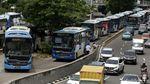 Jalan Veteran Ditutup, Bus TransJ Menumpuk di Halte Hayam Wuruk