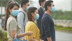 Stok Langka, Warga China Rebus Masker Agar Bisa Dipakai Ulang
