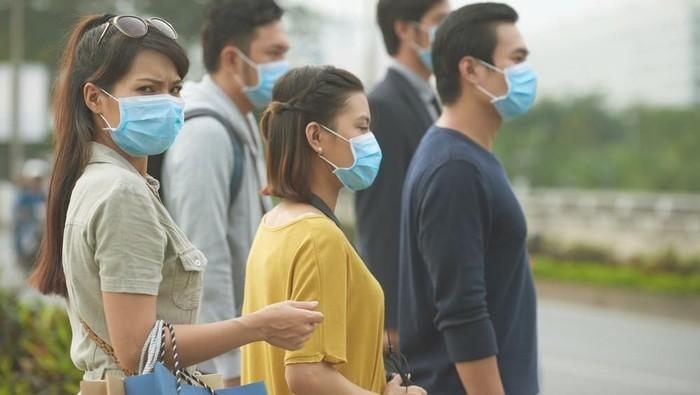 orang pakai masker