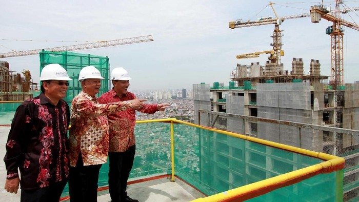 PT Lippo Karawaci Tbk, pengembang properti terintegrasi dan terbesar di Indonesia resmi melaksanaan penutupan atap (topping off) Holland Village Jakarta Apartment.