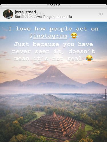 Candi Borobudur dan gunung lancip