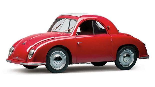 Pemilik mobil warna merah dikenal ambisius
