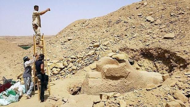 Peneliti Temukan Patung Spinx Berkepala Domba, Usianya 3.000 Tahun!