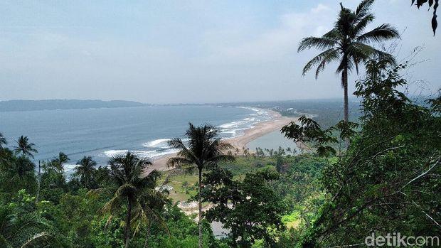 Melihat Samudera Pasifik dari Pangandaran