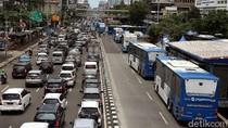 Terkepung Massa Demo, 25 Bus TransJakarta Berhasil Dievakuasi