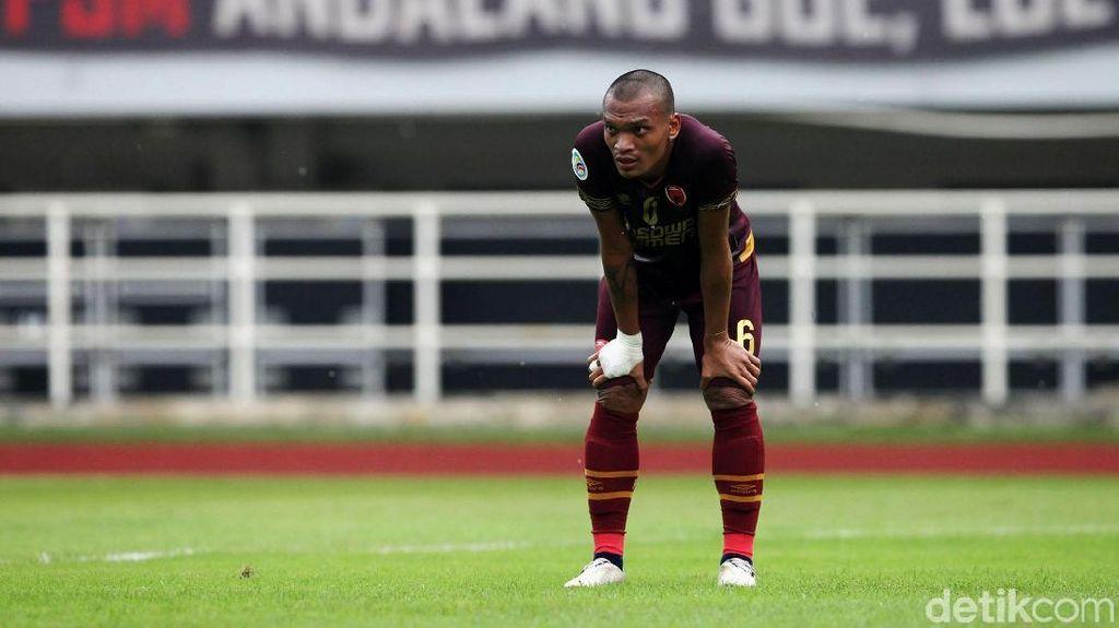 Ferdinand Sinaga Resmi Berseragam Persib Bandung Lagi