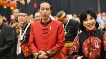 Makna Baju Cheongsam Jokowi Karya Anne Avantie di Perayaan Imlek Nasional