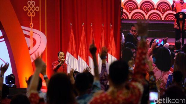 Saat Jokowi Sapa Anak Ahok dan Vero di Tengah Imlek Nasional