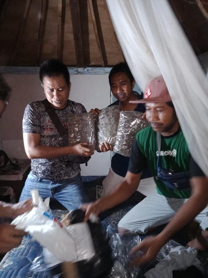 Anggota Satres Narkoba Polres Lombok Utara, Nusa Tenggara Barat (NTB), mengamankan 5 Kilogram ganja di salah satu rumah warga yang ada di Gili Trawangan.