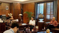 Menlu Bertemu Dubes China, Matangkan Rencana Evakuasi WNI di Hubei