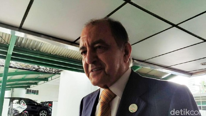 CEO Air Products Seifi Ghasemi