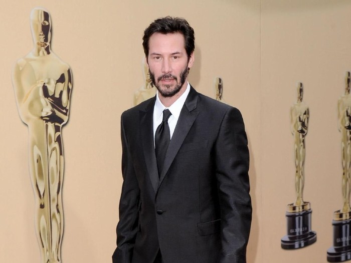 HOLLYWOOD - MARCH 07:  Actor Keanu Reeves arrives at the 82nd Annual Academy Awards held at Kodak Theatre on March 7, 2010 in Hollywood, California.  (Photo by Jason Merritt/Getty Images)
