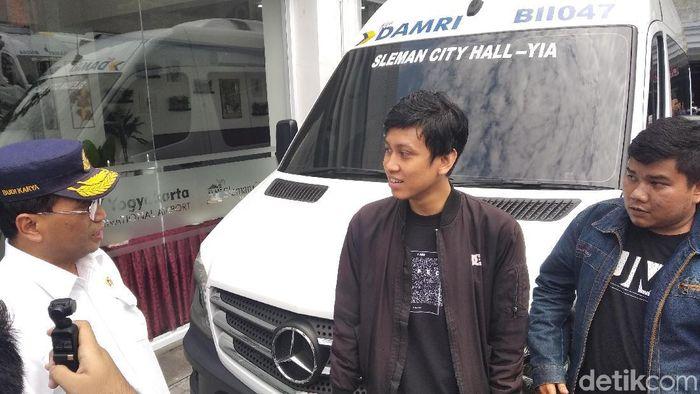 Menhub jajal minibus Damri di Bandara Kulon Progo