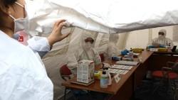 Kelelahan Tangani Pasien Virus Corona, Dokter di China Tidur di Lantai RS