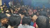 Diduga Tabrak Lari, Pemobil di Makassar Luka-luka Diamuk Massa