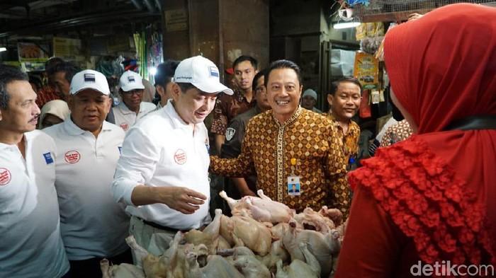 Mendag sidak pasar wonokromo