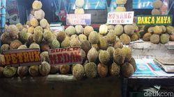 Di Sentra Durian Kalibata Bisa Makan Durian Petruk dan Medan yang Legit