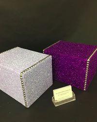 Peti Bertabur Glitter Bagi yang Ingin Tampil Fashionable di Pemakamannya Sendiri