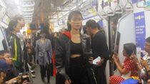 Ini Video Acara Fashion Show di Gerbong MRT yang Viral