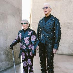 Ketika Kakek-Nenek Jadi Model Baju Punk Buatan Cucunya