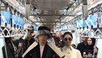 Beda Fashion Show di Gerbong MRT dan LRT Jakarta