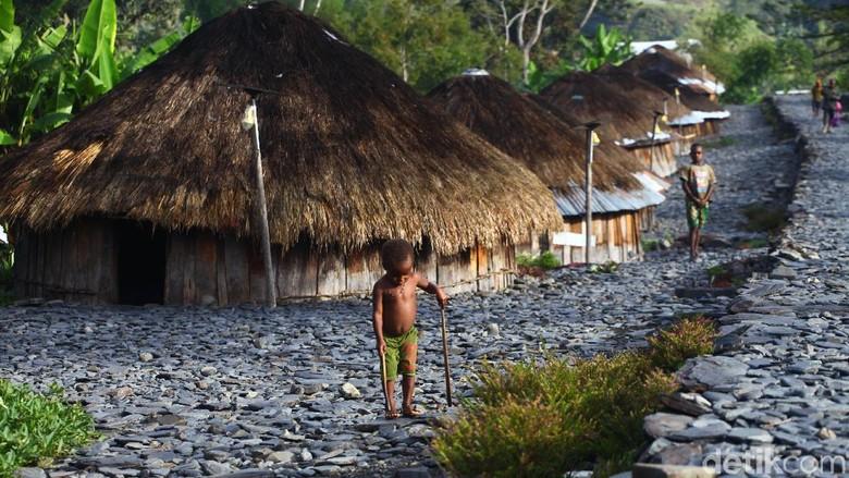 Keberadaan rumah adat khas Papua tepatnya di Puncak Jaya terus dilestarikan. Hal itu dilakukan sebagai upaya menjaga budaya masyarakat setempat.