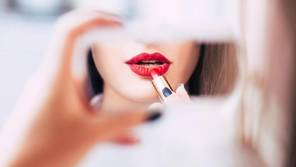 5 Lipstik Matte Terbaru yang Tahan Lama dan Warnanya Nyata
