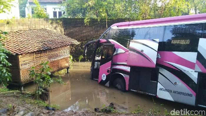 Bus Kecelakaan di Ciamis