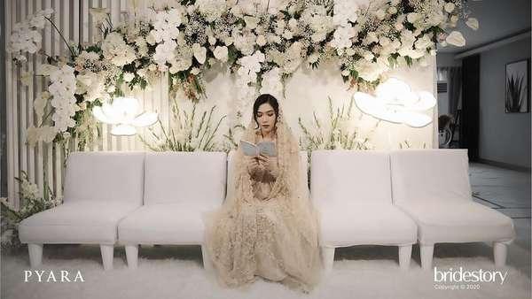 Potret Isyana Sarasvati dan Rayhan Gelar Pengajian Jelang Pernikahan